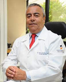 Dr. Ailton Moraes - médico especialista em coluna