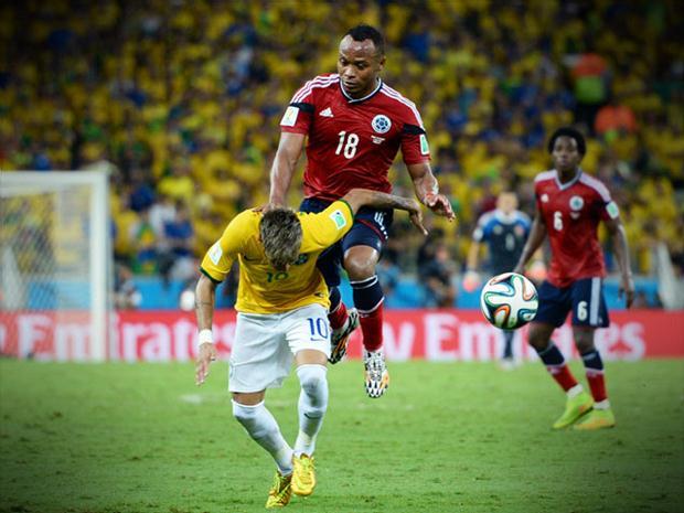 lesão na coluna neymar