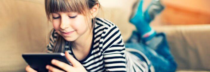Tablets e smartphones podem trazer prejuízos às crianças se usados sem moderação