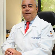 Médico NeurocirurgiãoEspecialista em Coluna