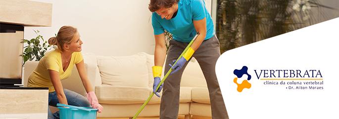 Cuidados com a coluna nas tarefas domésticas